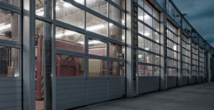 Промышленные автоматические секционные ворота Херман