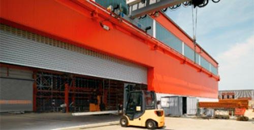 Секционные промышленные автоматические ворота Hormann